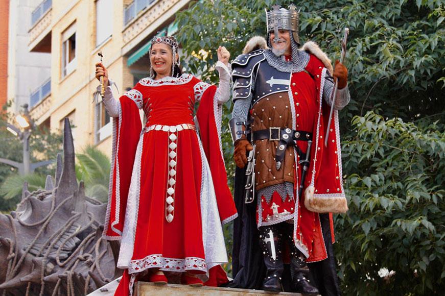 Capitán y favorita filà Cavallers de Llúria
